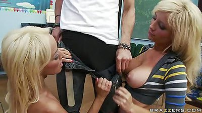 Two big tits bitches at school experimenting in class views:8998