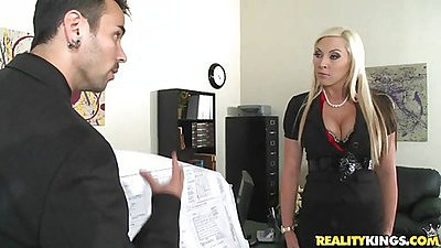 Big tits boss Skylar