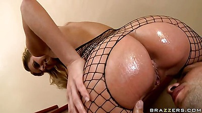 Dude licks a nice anus in fishnets an dblowjob