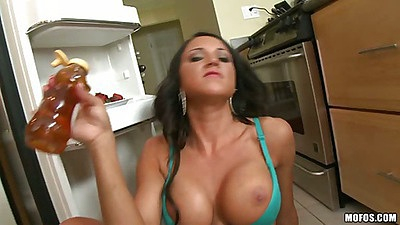 Slut gets on the floor and fucks a bottle