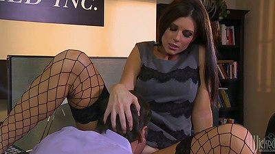 Sexy India Summer pussy licked in the office and blows dick