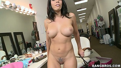 Big tits althletic milf Rachel Starr spreadin gpussy and handjob