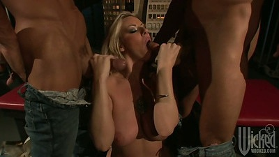 Threesome blowjob with hardcore sucking from Carolyn Reese