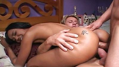 Free lesbians butt lick