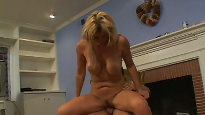 Reverse cowgirl sex with front hardcore penetration