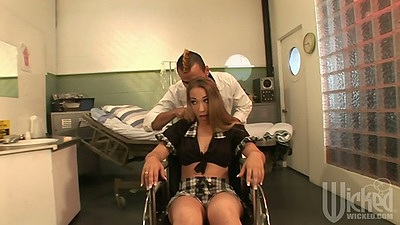 Jamie Elle doctor exam undressing