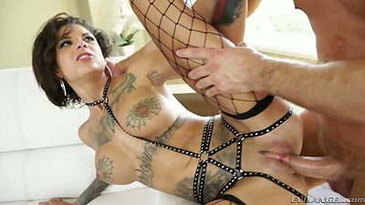 Bonnie Rotten shaved pussy sex with brunette