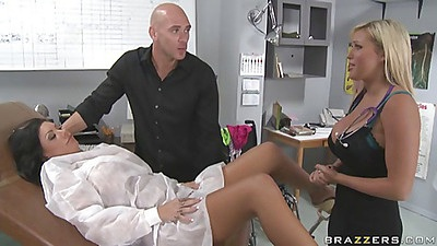 Doctor show how to properly insert a dildo