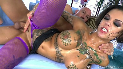 Perfect body Bonnie Rotten in oil gets entered wearing nice fishnet stockings