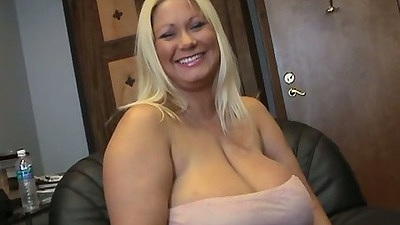 Big and i mean huge ass mother fucking tits bbw girl Samantha 38G