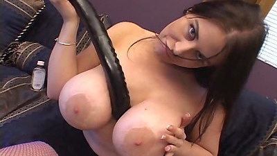 Huge dildo sex toy from Gianna Michaels