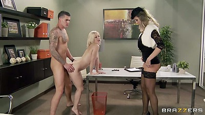 Standing fuck with milf Ash Hollywood and Brandi Love liking big dick