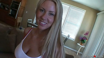 Awesome beauty blonde girl Carolyn Reese sucks dick while her shirt on