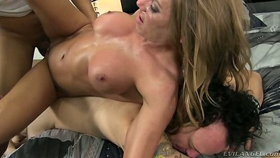 Cuckold threesome thats mean and fun with Juelz Ventura