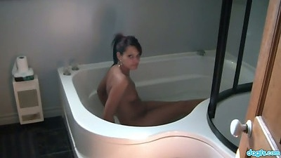 Wet amateur in bath tub and a blowjob
