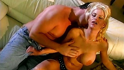 Tina Cherie milf gets fingered and her anus stretched as well views:917