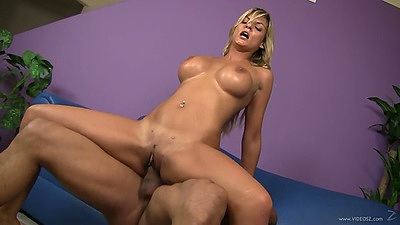 Reverse cowgirl bossy milf fuck from great body Klarisa Leone views:1097