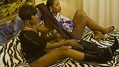 Ebony college student chicks Desire and Erika Vuitton kissing each other views:1092