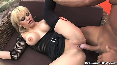 Shaved pussy milf big tits sex from blonde Britney views:189