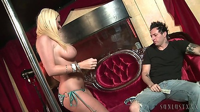 Big tits Sophie Dee is a stripper that teases dude views:566