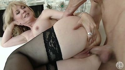Sideways drilling stockings milf with large boobs Nina Hartley views:418