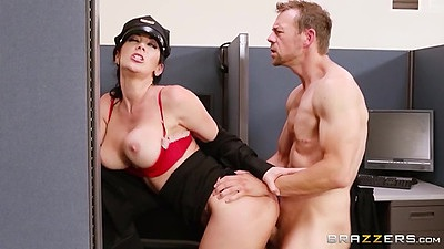 Standing fuck milf is the new campus security Jayden Jaymes views:877