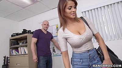 Bianca comes in wearing tight shirt for her first sex video views:2184
